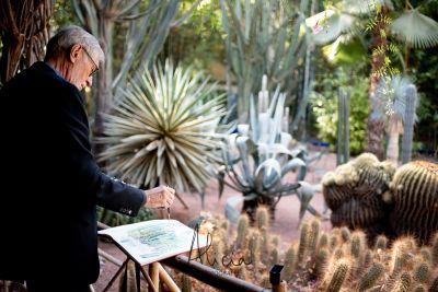 aquarelliste au jardin Majorelle, Marrakech