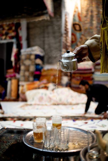 le thé du marchand de tapis à Marrakech